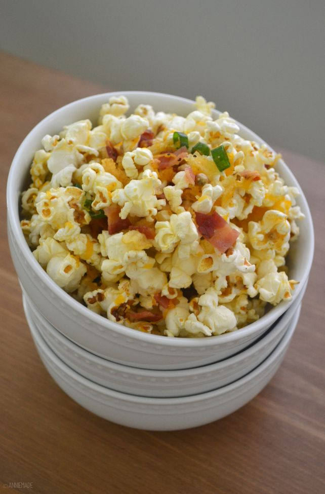 anniemade // Easy Loaded Baked Potato Popcorn Recipe