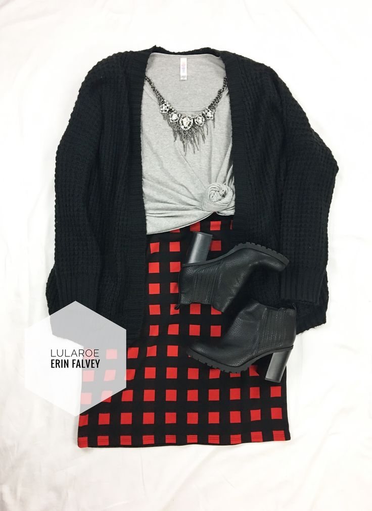 lularoe classic | cassie | plaid | booties | baggy sweater | outfit