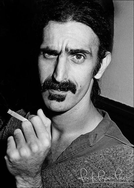 Frank Vincent Zappa (Baltimora, 21 dicembre 1940 – Los Angeles, 4 dicembre 1993)