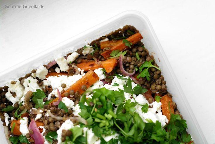 Salat von Puy-Linsen und gebackenen Karotten mit Schafskäse  GourmetGuerilla.de