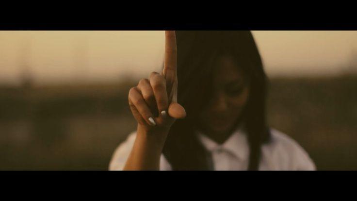 Click - Muzica mea (feat  Iolanda Boban, Teddy Fam'as & Dj Twist) Videoc...   http://newvideohiphoprap.blogspot.ca/2016/10/click-muzica-mea-ft-iolanda-boban-teddy.html