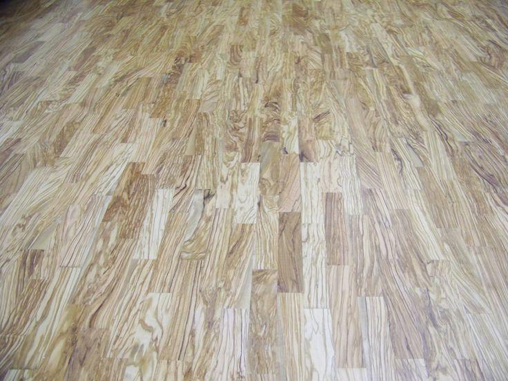 Realizace masivní podlahy ze dřeva olivovníku
