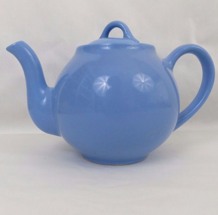 Vintage Lipton's Tea Teapot with Lid Periwinkle Blue 4 Cup Made In USA Hall