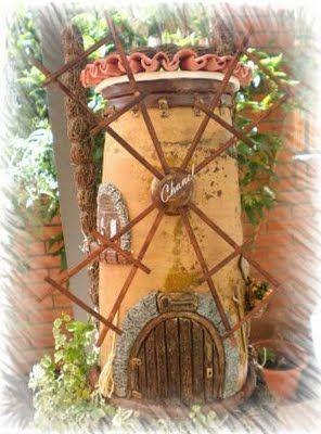 Artesanias Chanel: Teja decorada con fachada de molino en relieve