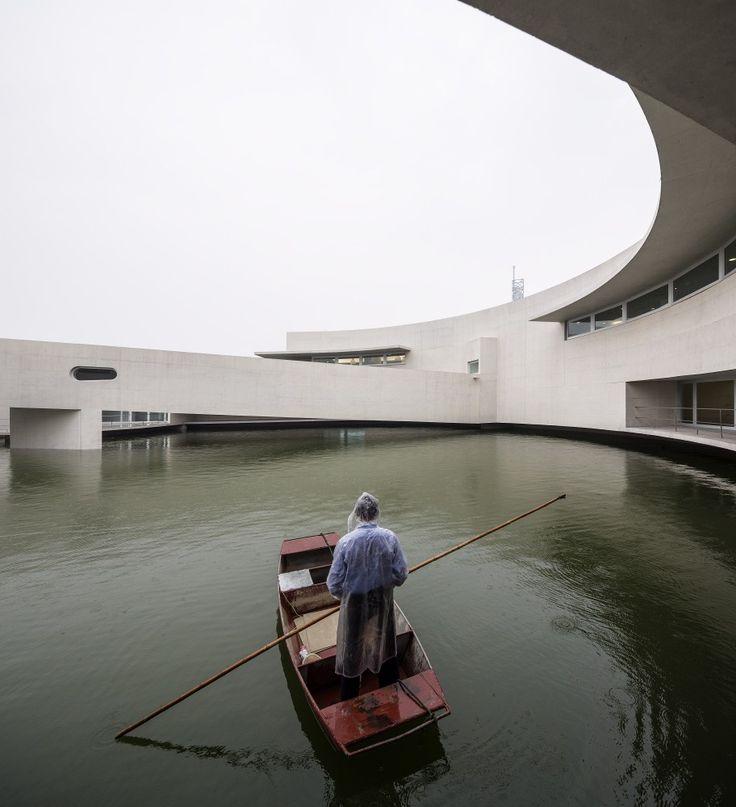 The Building on the Water / Álvaro Siza + Carlos Castanheira