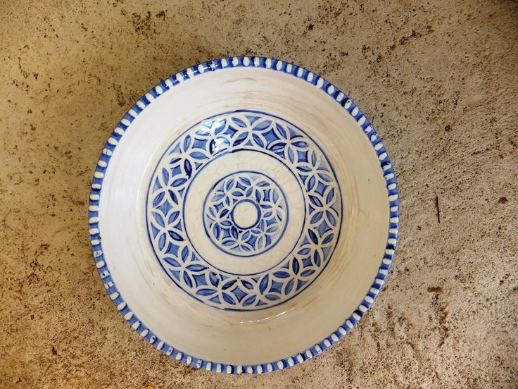 Blue and white designed quiche dish