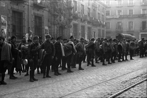 Spain - 1937. - GC - XV International Brigade volunteers arrive in Barcelona, January, 1937.