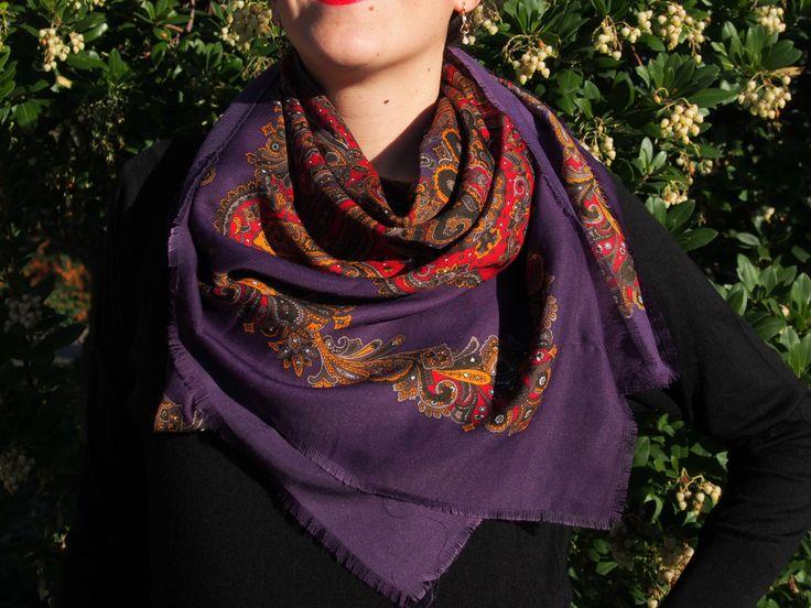 Wool Shawl VINTAGE slavic style PURPLE From Balkans - scarf - Pashmina scarf - Babushka - Flowers - Traditional design russian style di LovingBalkans su Etsy