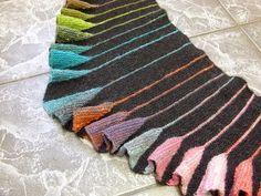 Hier noch mal eine Bilderflut vor dem Nordseeurlaub: Ich hatte einer Freundin den Schal mit Dreiecken gezeigt. Sie fand die Dreiec...
