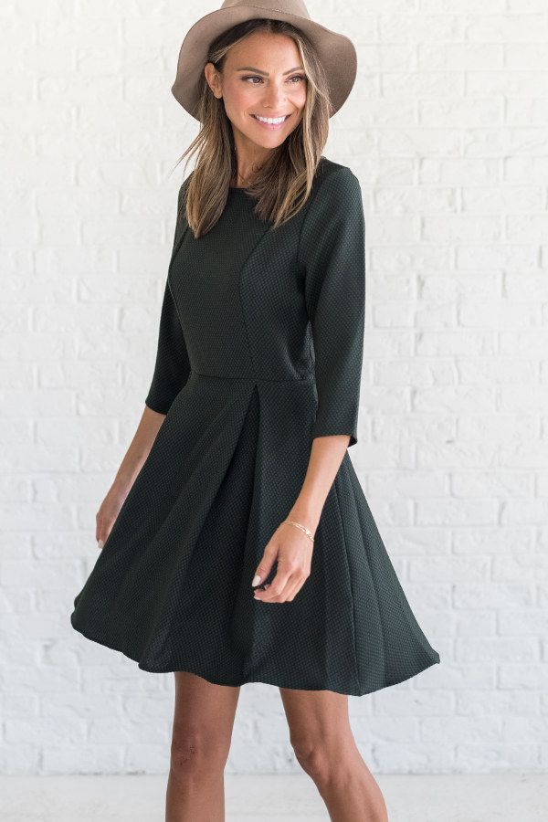 Forest green holiday dress, holiday outfit ideas thanksgiving, fall dress to wear to a wedding, fall dress outfit ideas 2017