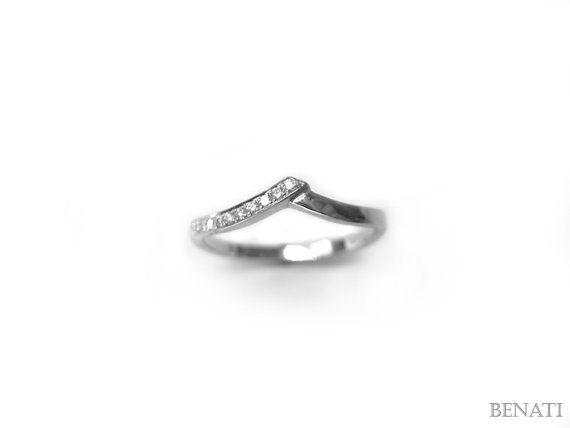 Hey, I found this really awesome Etsy listing at https://www.etsy.com/listing/189494104/chevron-diamond-ring-v-shape-diamond