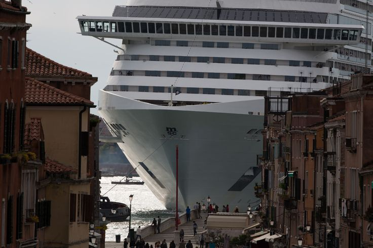 big ship via garibaldi nave | Flickr - Photo Sharing!