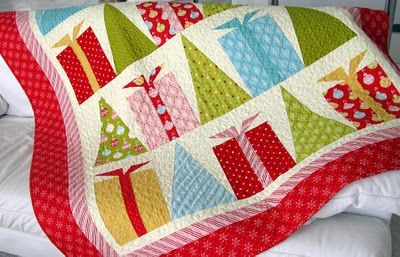 Hip Holidays Quilt free download #quilt #Christmas #hip #color: Quiltsoup Blog, Quilts Patterns, Quilts Free, Christmas Presents, Holidays Quilts, Hip Holidays, Christmas Quilts, Christmas Trees, Free Downloads