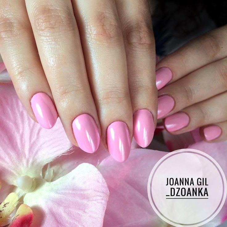 Gel Polish Maybe Baby i Glammer Silver @indigonails #indigo #indigolove #indigonails #indigolicious #nails #nailart #nailholic #nailstyle…