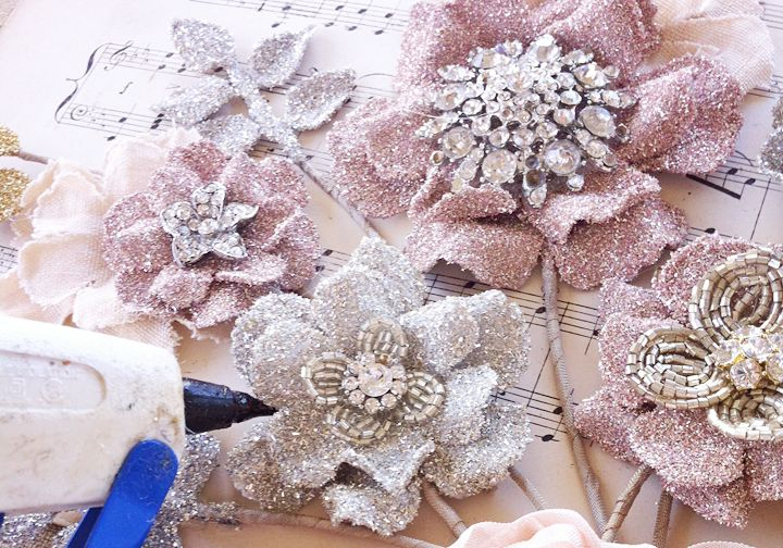 Pretty Flowers All In a Row...Tutorial and 3 AMAZING GIVEAWAYS!!!