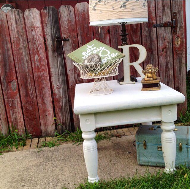 White End Table. Vintage Vignette.