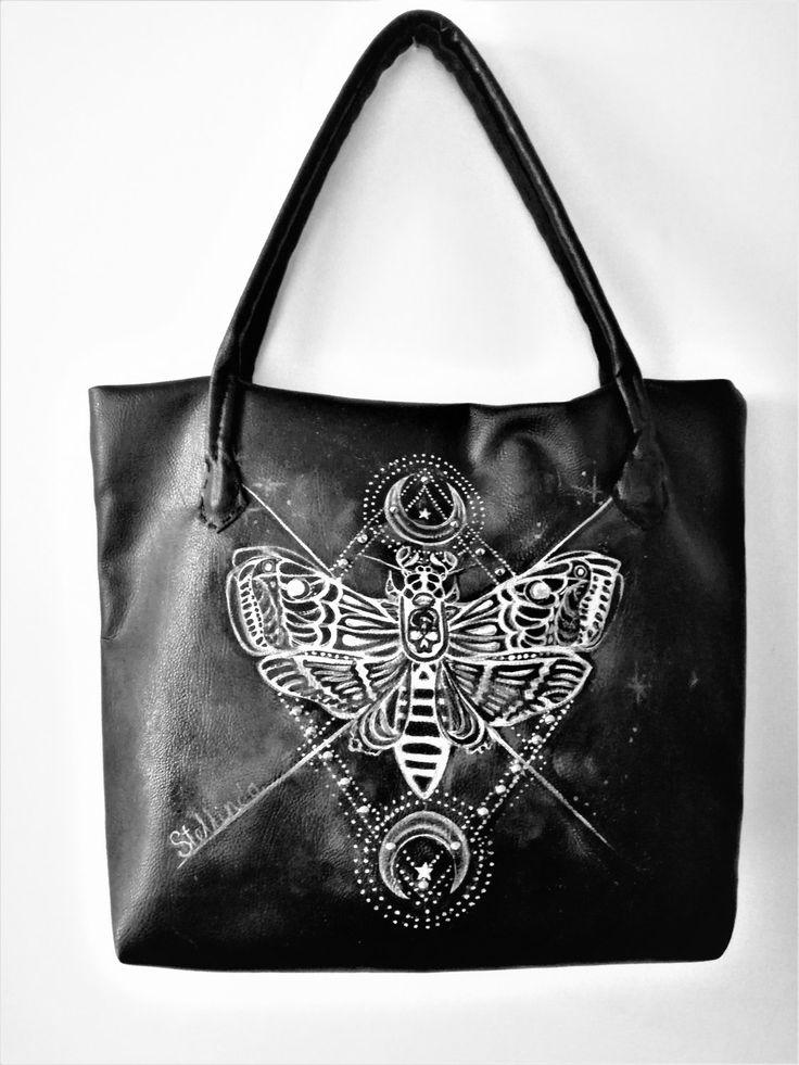 Borsa in ecopelle nera realizzata e dipinta a mano.Gotic Butterfly. di Stellinda78 su Etsy