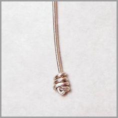 How to Make a Knotted Wire Headpin #wire #jewelry #tutorial - Come fare un chiodino di filo annodato