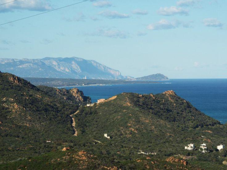 L'Ogliastra si trova nella costa orientale della Sardegna, molto aprrezzata é la località di Cardedu, famosa per la sua spiaggia bianca finissima.
