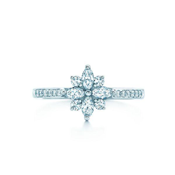 ビクトリア クラスター リング - Tiffany & Co.(ティファニー)の婚約指輪(エンゲージメントリング)