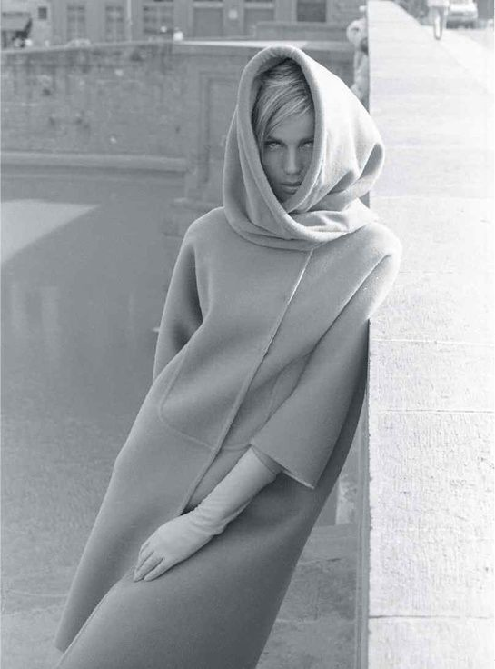 Veruschka : From Vera to Veruschka http://www.vogue.fr/photo/le-portfolio-de/diaporama/veruschka-livre-from-vera-to-veruschka-aux-editions-rizzoli/18489/image/995819#!5