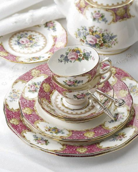 Royal Doulton 'Lady Carlyle' fine china. I love Lady Carlyle, one of my favorites!
