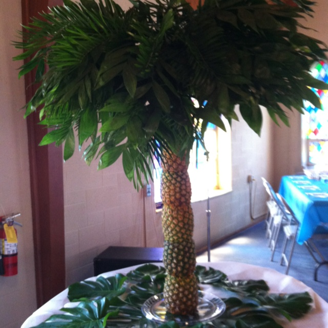 Pineapple Tree for fruit display | Fruit Displays ...