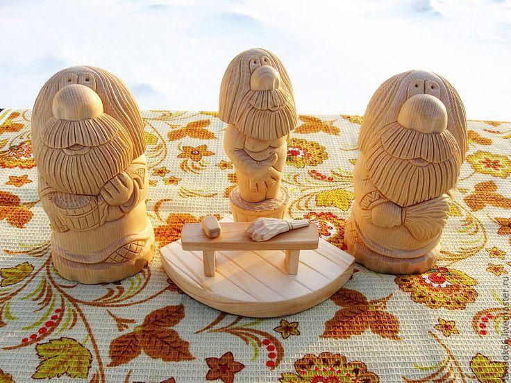Купить или заказать Обереги из дерева в интернет-магазине на Ярмарке Мастеров. Домовой в славянской культуре является добрым духом, покровитель и хозяин дома. По поверьям живет около печи. Статуэтка домового выполнена из кедра. Прекрасный сувенир и оберег для вашего дома! Запах кедровых изделий благоприятно действует на органы дыхания и сердечно-сосудистую систему.