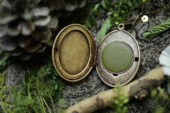 Spruce - Single Note Solid Perfume Locket with Russian Serpentine Stone - Natural Perfume by For Strange Women - Evergreen, Earthy, Green auf Etsy, $68.88