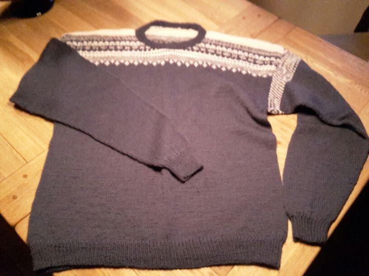 Hjemmestrikket sweater