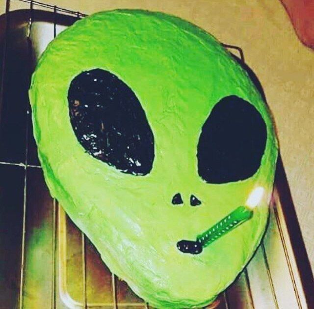 [Image: 327f294ebaad59e921fd97bd01a46bdf--alien-...m-sick.jpg]