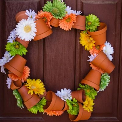 Terracotta pots (a true sign of spring) get an inspired new use in this wreath.