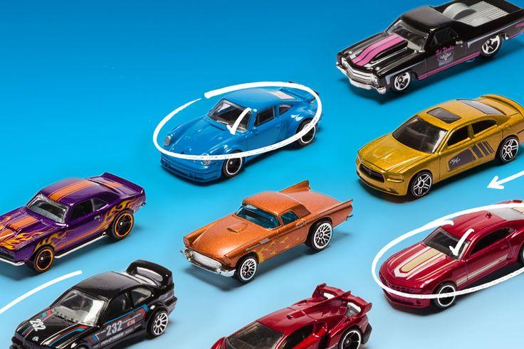 Nous allons bientôt voir débarquer la collection Mainline de 2018 dans les rayons de nos magasins. En tout, nous pourrons retrouver pas moins de 400 Hot Wheels différentes issues de 250 modèles. Il y a aura tout de même 49 modèles inédits et nous retrouverons 15 Treasure Hunts et 15 Super Treasure Hunts. Tout cela sera serra réparti dans une trentaine de mini collections que Mattel à dévoilé il y a peu et que vous pourrez découvrir en détail dans la suite de l'article. En savoir plus sur…