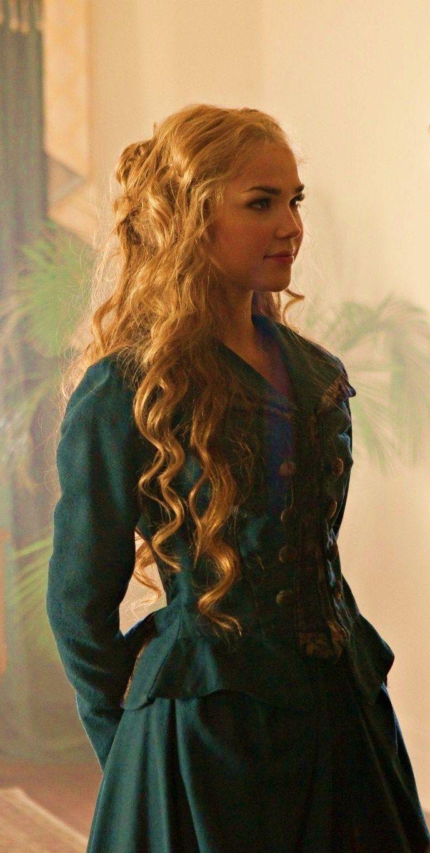 Arielle Kebbel Lexi Hair | Girls of The Vampire Diaries lexi
