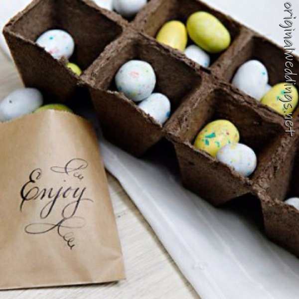 #weddings: Ideas, Easter Parties, Easter Table, Wedding, Easter Decor, Favors Bags, Easter Eggs, Eggs Cartons, Easter Treats