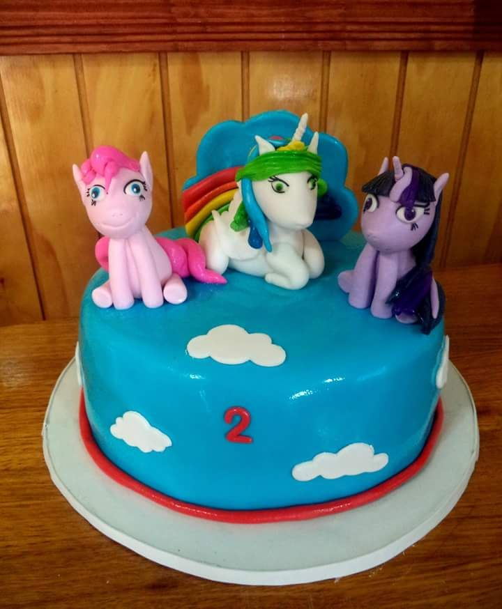#Ponny #fondant #cake by Volován Productos #instacake #puq #Chile #VolovanProductos #Cakes #Cakestagram #SweetCake