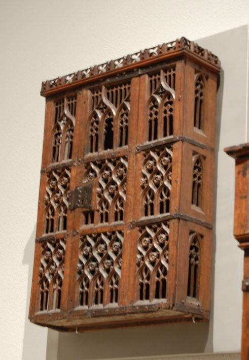 Hanging cupboard from Rhine, 15th cent