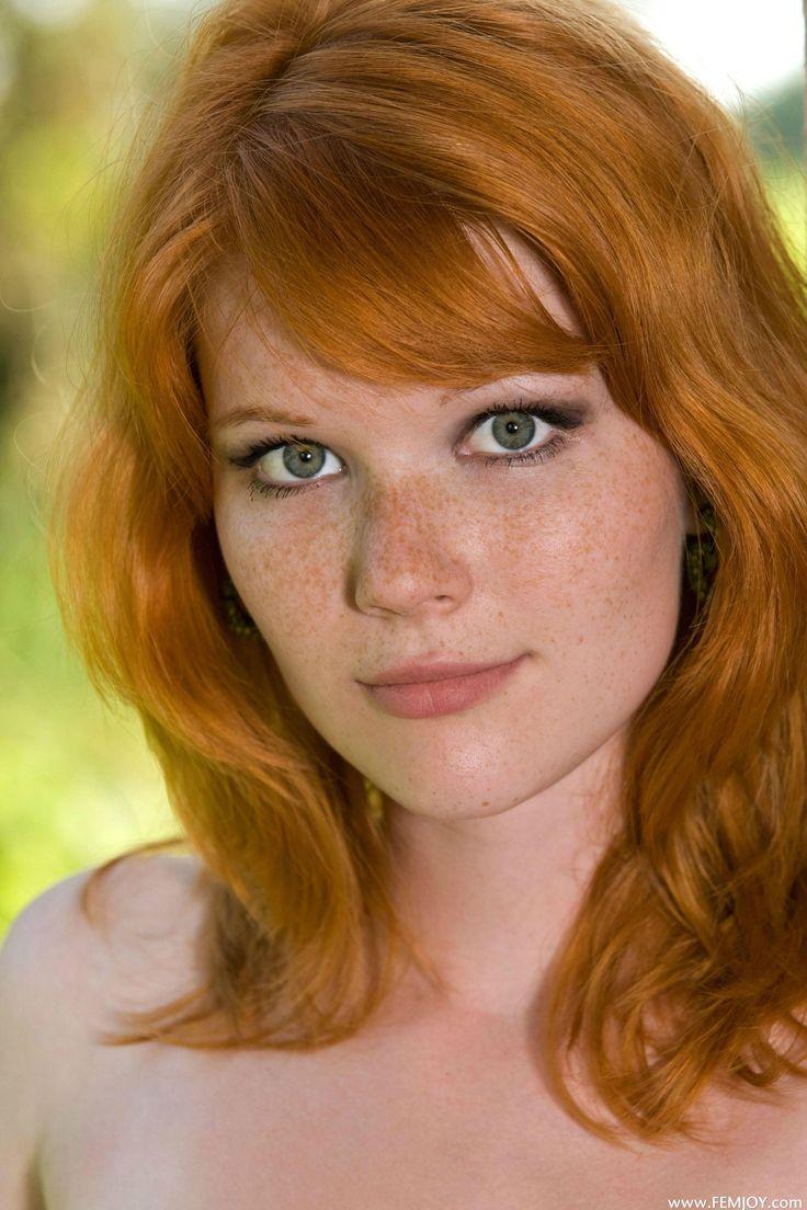 Beautiful redhead green eyes emo sucking
