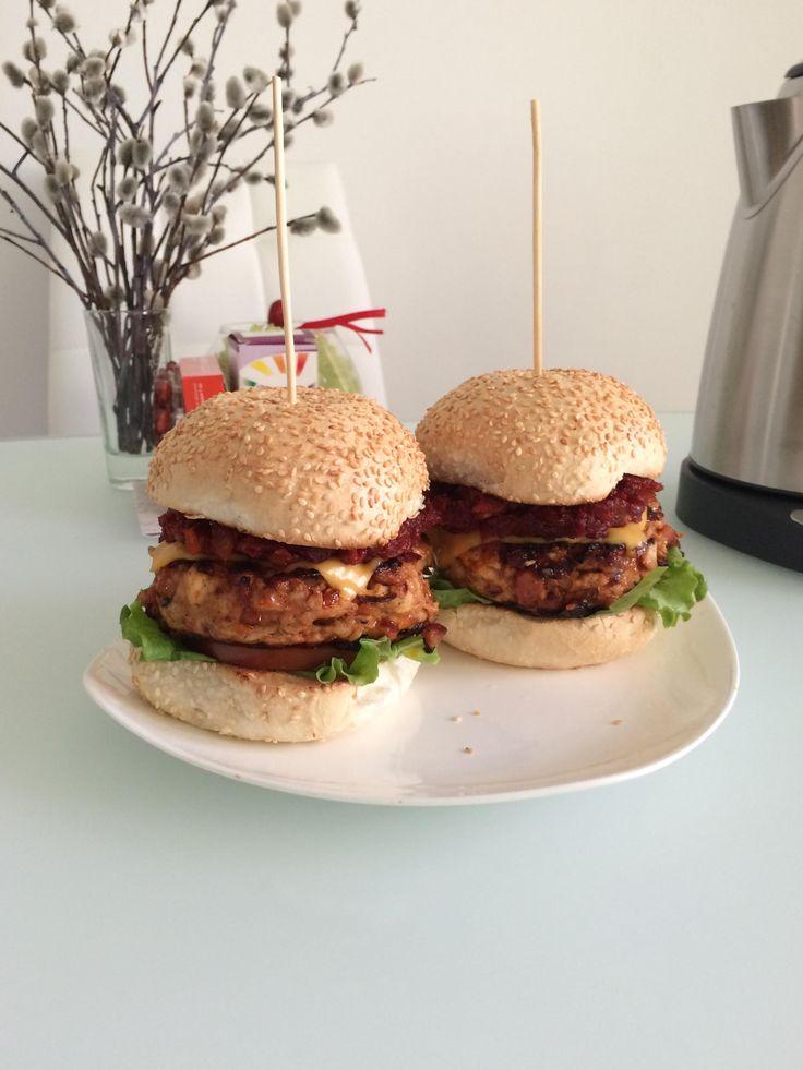 Американский бургер с курицей и беконом, домашний соус барбекю - Andy Chef…