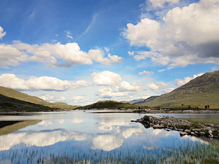 Voyage en Ecosse : direction Isle of Skye  #ECOSSE #SCOTLAND #PONT #ROUTE #reflection #symetry #nature l#landscape  http://www.bien-voyager.com/roadtrip-ecosse-isle-of-skye/