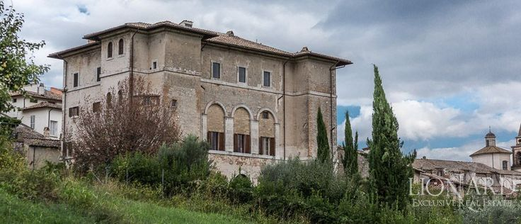 Built under the direction of one of the most famous architects of the time, this wonderful Renaissance Luxury Villa for sale in Umbria was built in the early 1500's in the countryside near Terni.