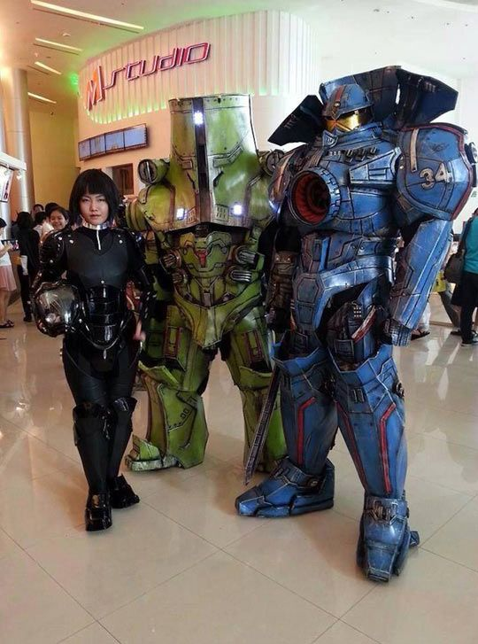 Another well executed costume idea! Pacific Rim ~  Cos Play  /  By C4Team