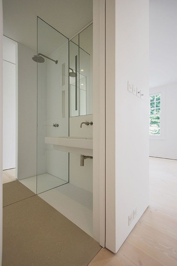 Corian Bathroom Queens Park , London, LBMVarchitects