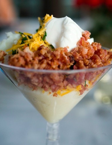 "Baked potato ""martini"": Idea, Potatoes Martinis, Glasses, Baking Potatoes, Martinis Bar, Mashed Potatoes Bar, Dinners Parties, Mashed Potato Bar, Loaded Mashed Potatoes"