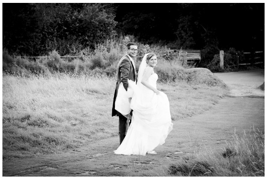Holding the bride veil!    http://montymanatee-weddings.com/wp-content/ad-images/2012/11/katy-and-john-1.jpg