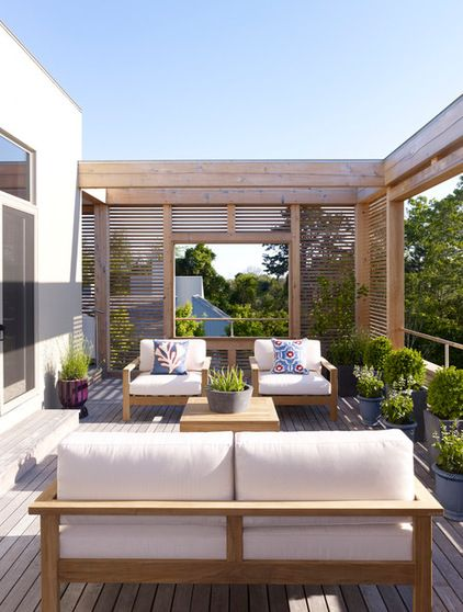 contemporary deck and privacy screen - by Austin Patterson Disston Architects