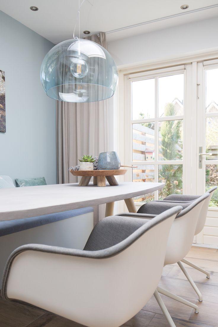 Portfolio Mignon van de Bunt   #interieurontwerp #interieurplan #interieurdesign #interiordesign #styling #maatwerk #beton #muuto #muutochair #kartel #kartellightning #styling #interieurstyling