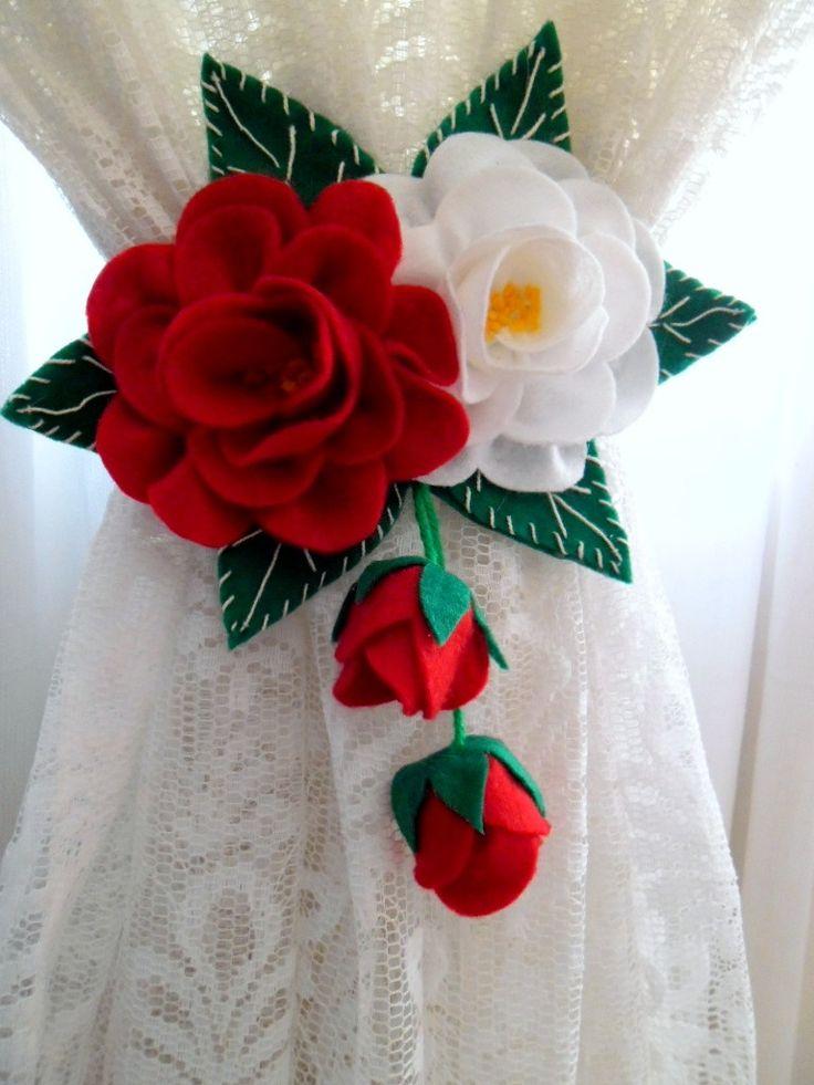Par de Prendedor de Cortinas feito em feltro de Rosas, para decorar seu ambiente.