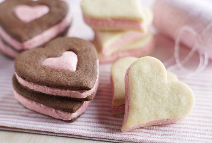 Chocolate Shortbread #Heart Sandwich Cookies with Fresh Raspberry ...