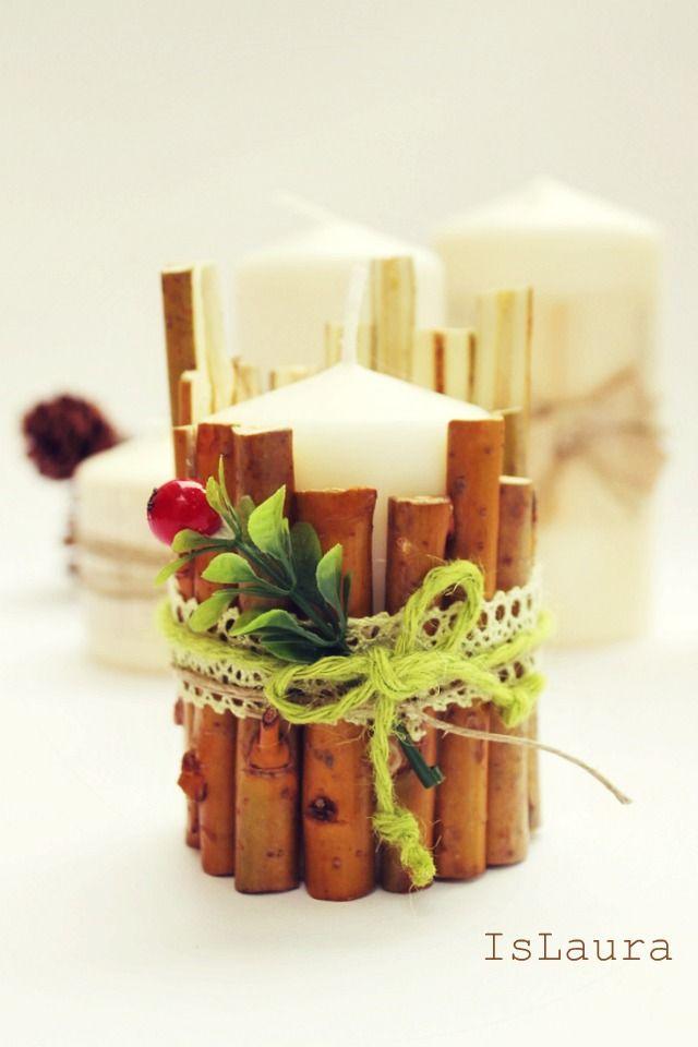 Ultime idee per il centrotavola delle nostre feste. Ecco come realizzare dei centrotavola originali abbellendo le candele, un modo diverso per fare un Natale in gran festa! Serviranno candele chiare e un po' di colla a caldo, cannella, fiori freschi, sacchi del caffè, nastri colorati e largo spazio alla creatività! Per velocizzare l'operazione di rivestimento, ho…